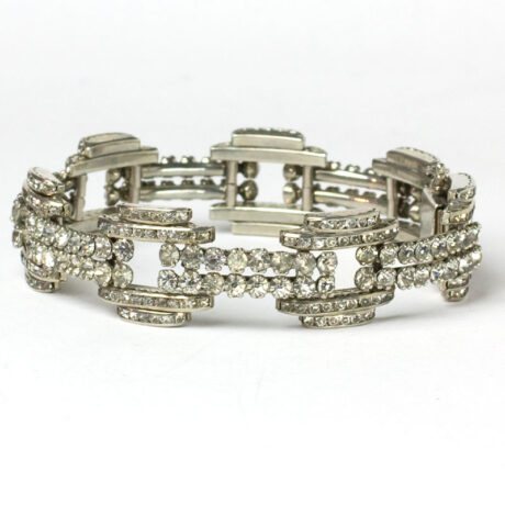 Architectural structured-look of bracelet