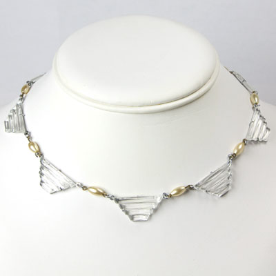 Glass choker necklace with pearls