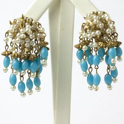 Hobe earrings with dangling blue beads & pearls