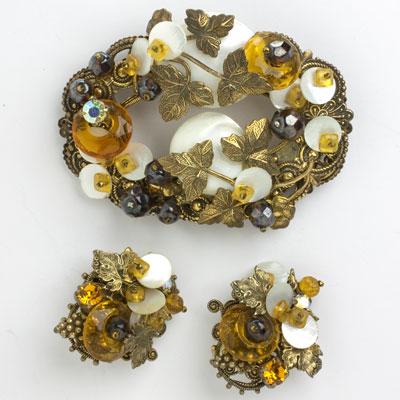 Vintage wreath brooch & earrings set by Alice Caviness