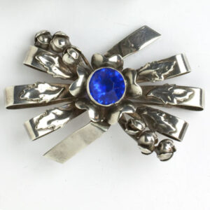 Bow brooch w/flowers, buds, leaves