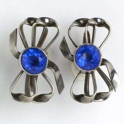 Another view of bow earrings