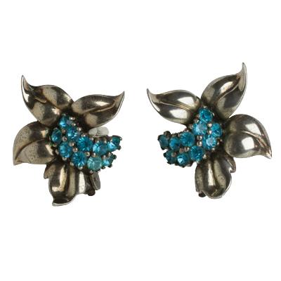 Flirty 1940s earrings by Pennino Brothers