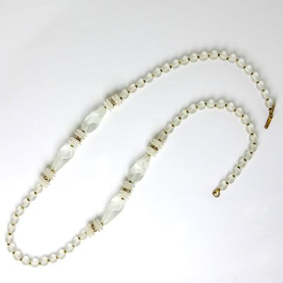 Long beaded necklace with rondelles