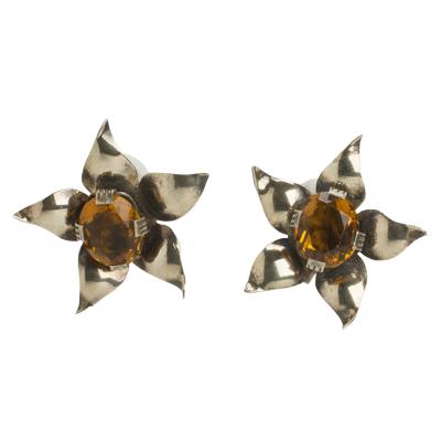 'Dancing flower' earrings w/golden topaz