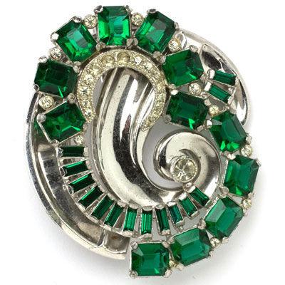 Circular vintage emerald & diamante brooch