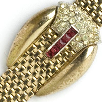 Decorative buckle adorned with diamanté and ruby-glass stones