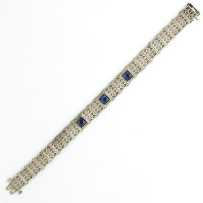Front view of Granbery sapphire & filigree bracelet