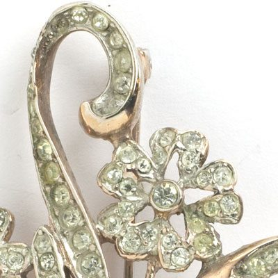 Close-up view of 1940s Reja brooch