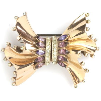 Brooch dress clips with amethysts in rose gold