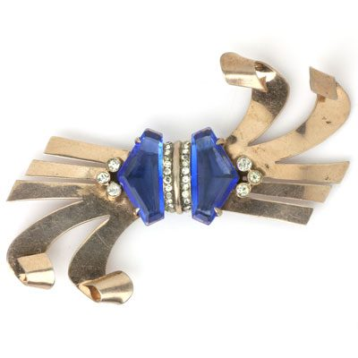 Reinad 1940s brooch in horizontal position