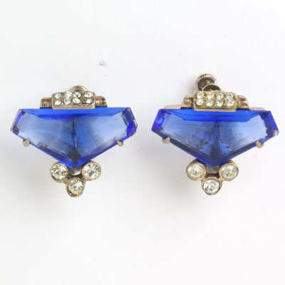 Front view of screw-back earrings