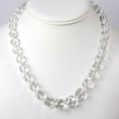 Faceted crystal bead necklace w/filigree clasp