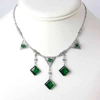 Art Deco emerald necklace with filigree & chicklets