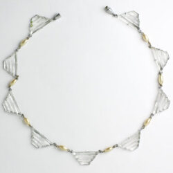 Glass plaques alternating with pearls