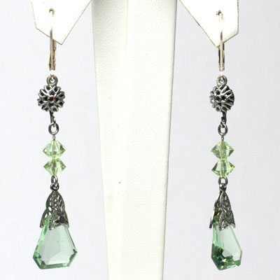 Vintage peridot earrings with filigree accents