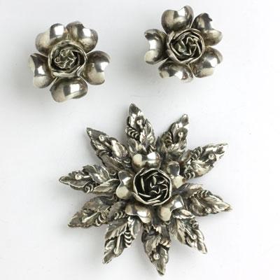Hobé sterling jewelry set w/floral motif