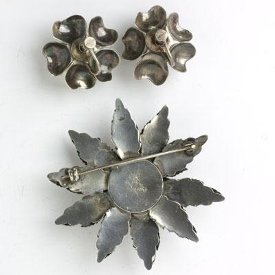 Back of brooch & earrings