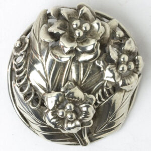 Oval Brooch with flowers and leave by Hobé