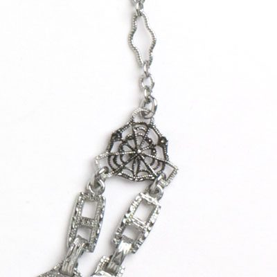 Close-up view of filigree links