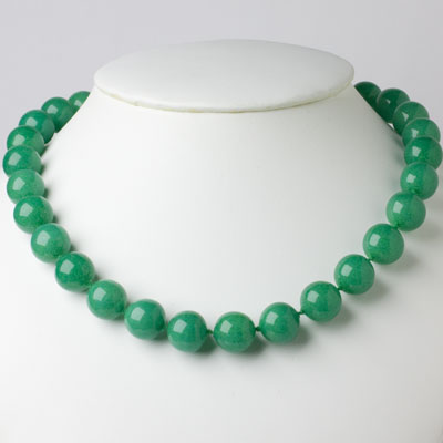 Vintage jade necklace with beads