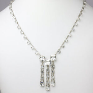 Necklace with crystal chicklets