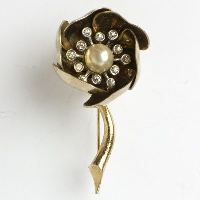 Marcel Boucher brooch with closed petals