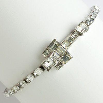 Diamanté tennis bracelet w/fixed, decorative buckle