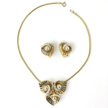 Vintage gold flower necklace/brooch & earrings