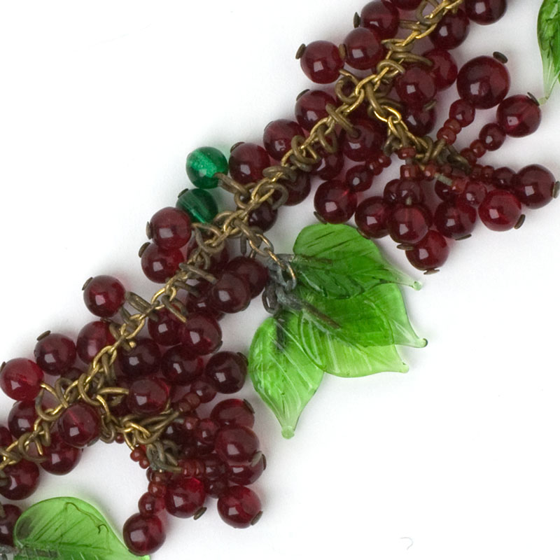 Close-up view of beads & leaves