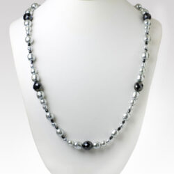 Vintage long beaded necklace w/grey pearls & onyx accents