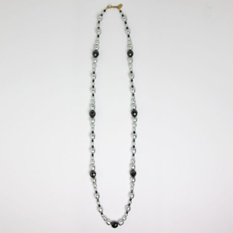 Long Miriam Haskell necklace w/pearls & beads
