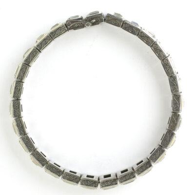 Top view of Diamonbar line bracelet
