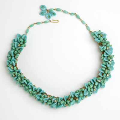 Full view of 1950s turquoise bead choker