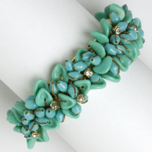 Vintage glass bead bracelet in turquoise & diamante