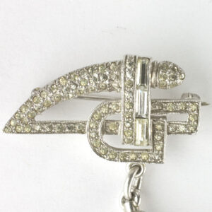 Art Deco design on front of clasp
