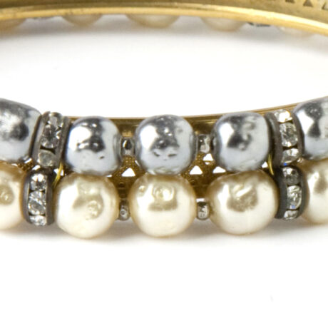 Close-up of two-tone pearls & rondelles