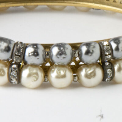Close-up of two-tone baroque pearls & rondelles