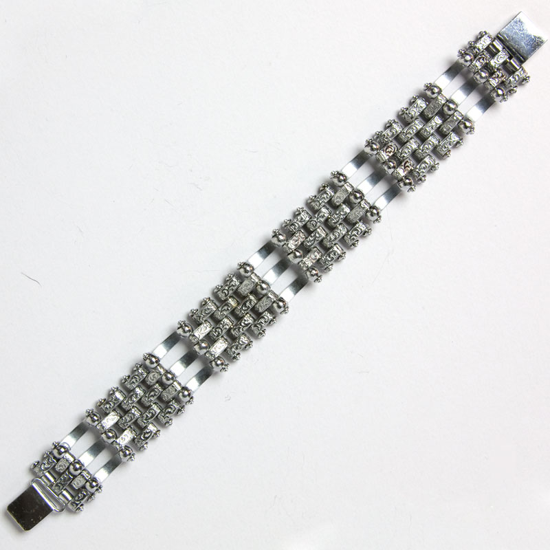 Back of chrome link bracelet