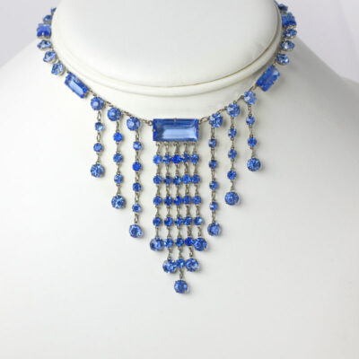 Fringe necklace with sapphire glass stones