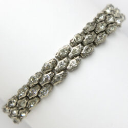 Honeycomb bracelet with 3 rows of diamanté