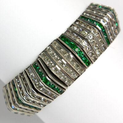 Back of flexible bracelet