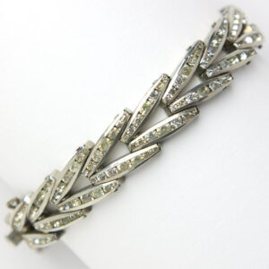 Chevron link bracelet with diamanté