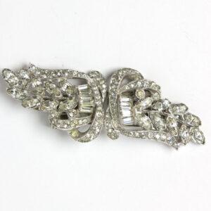 Diamante brooch in horizontal position
