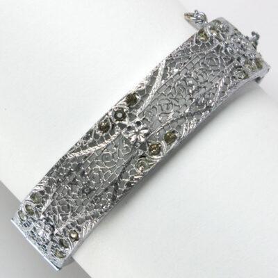 Hinged bracelet back
